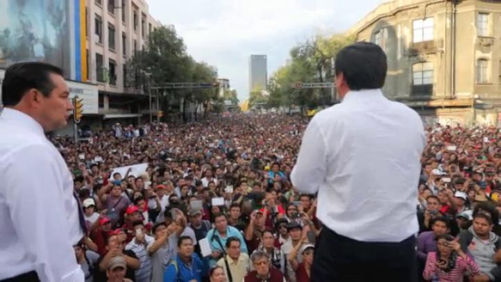 Osorio sale a la calle para dialogar con Politécnicos