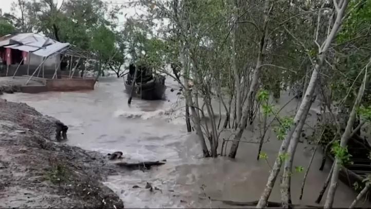 El ciclón Amphan deja inundaciones y daños por su paso en India y Bangladesh