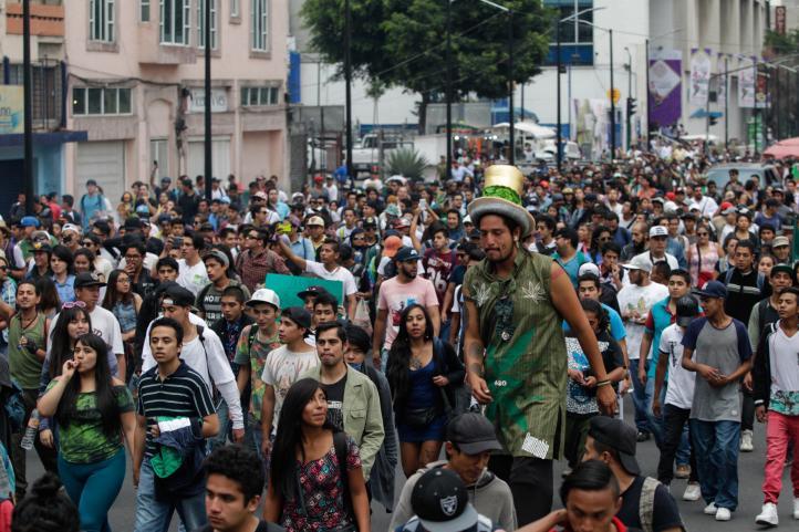 Marchan en Día Mundial del Cannabis