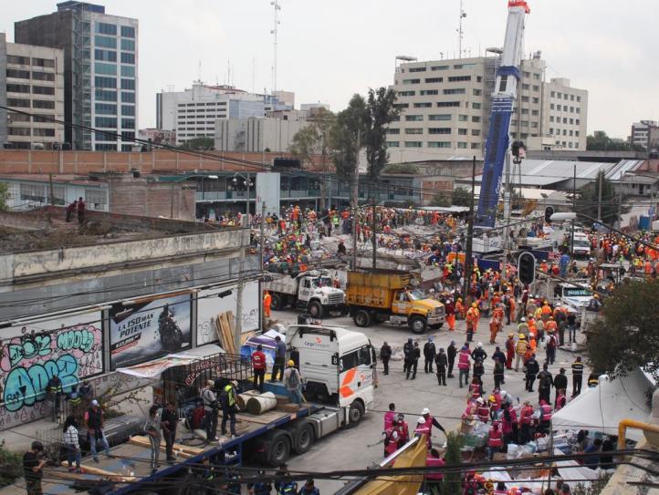 Trabajador de la fábrica colapsada hace recuento de víctimas