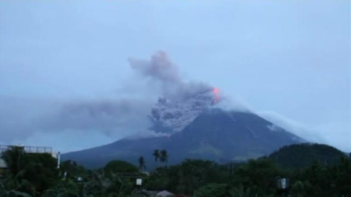 El volcán Mayón hace huir a más de 34 mil en Filipinas