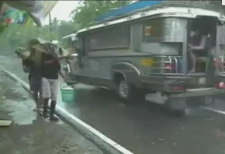 Tifón Melor toca tierra en Filipinas