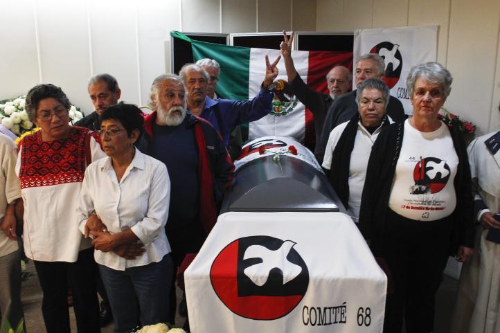 Activistas del 68, luchadores sociales y sindicales despiden a Raúl Álvarez Garín