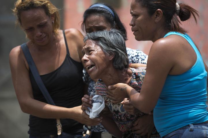 Venezuela: identifican muertos en centro policial