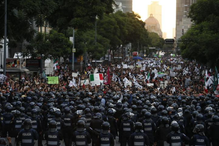 Marcha para exigir la renuncia de Enrique Peña Nieto