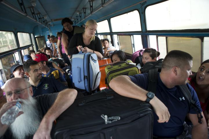 Puerto Vallarta  se prepara para huracán más poderoso del planeta