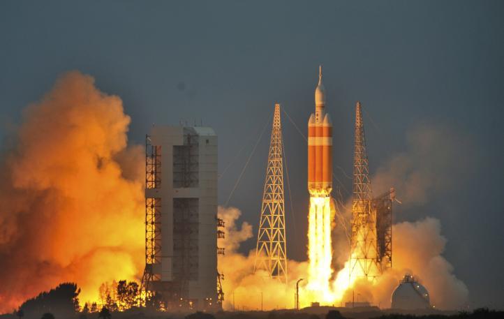 """Cápsula espacial """"Orion"""" realiza su primer vuelo de prueba"""