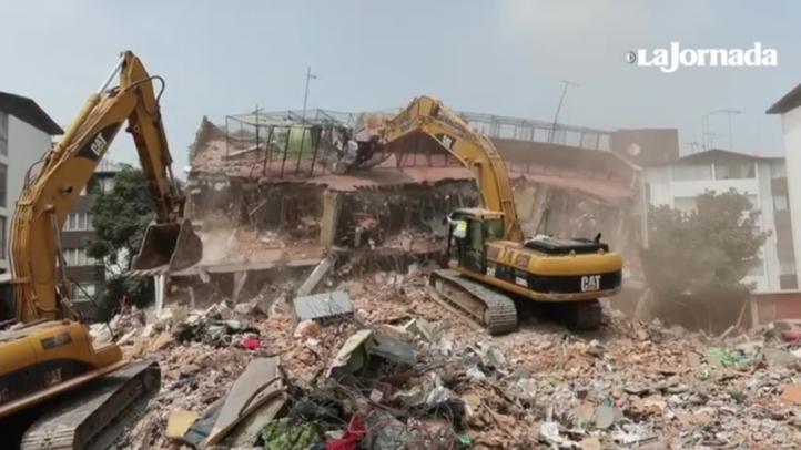 Inicia demolición de edificios colapsados