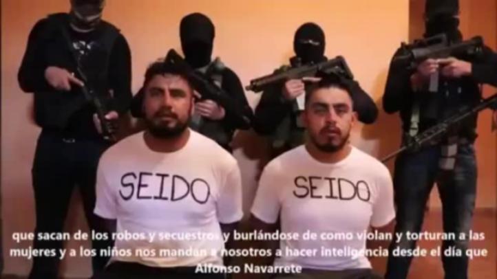 Difunde el 'narco' video con 2 federales secuestrados