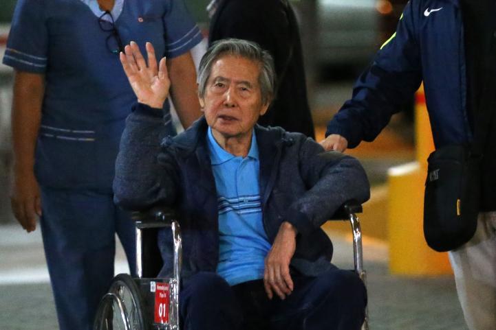 Fujimori sale del hospital tras indulto del presidente de Perú