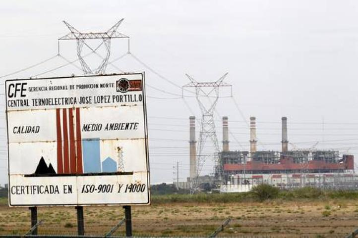 Rechaza AMLO que busque nacionalizar el sector eléctrico