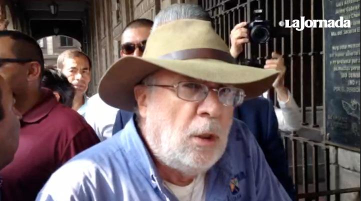 Javier Sicilia fue golpeado por policías
