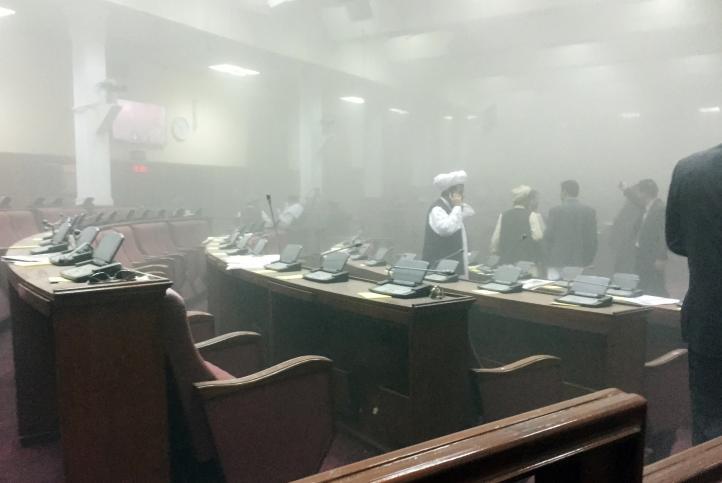 Talibanes atacan Parlamento afgano