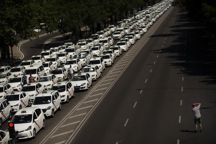 España: Taxistas mantienen huelga al terminar sin acuerdo