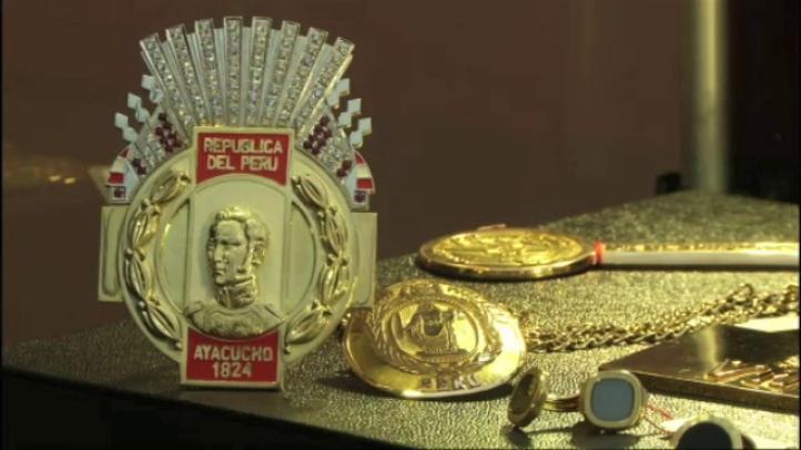 Subastarán nueve kilos de oro y piedras preciosas confiscados a Vladimiro Montesinos