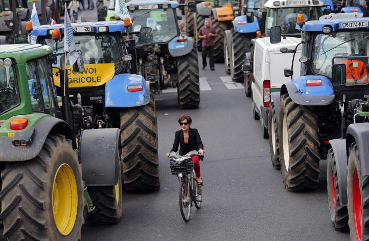 Agricultores se manifiestan en Paris