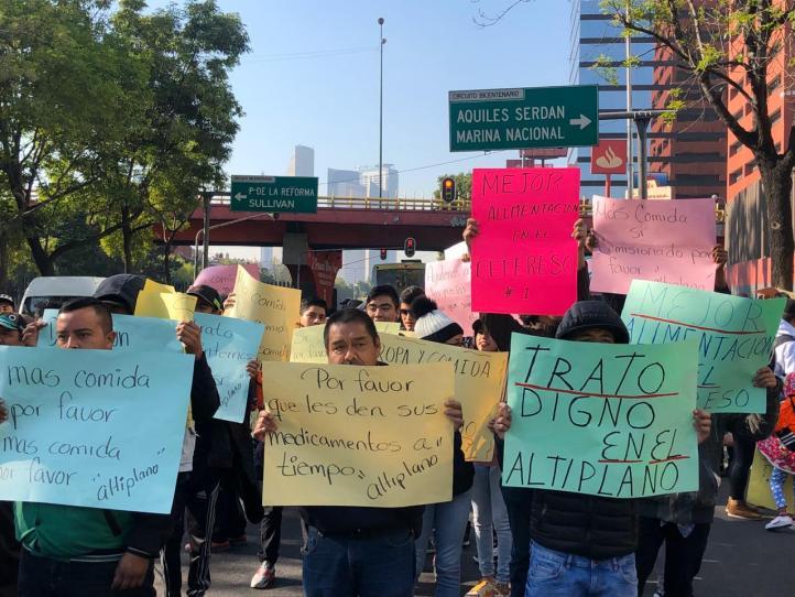 Familiares de internos demandan mejores condiciones en Almoloya