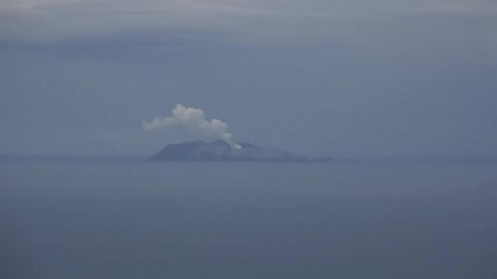 Se eleva cifra de muertos a 16 por erupción en Nueva Zelanda