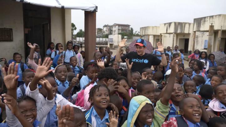 Orlando Bloom visita Mozambique como embajador de Unicef