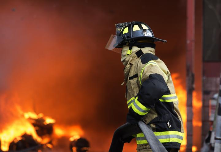 Desalojan a 1500 personas por incendio en Tenayuca