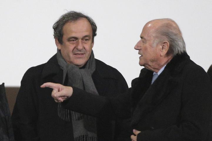 Blatter y Platini, suspendidos 90 días de la FIFA