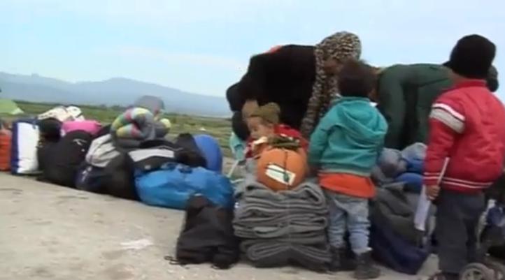 Policía griega desaloja campamento informal en Idomeni