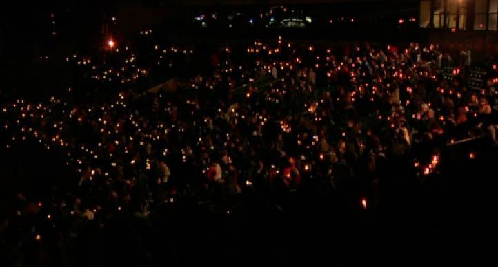 Vigilia en honor a las víctimas del tiroteo en San Bernardino