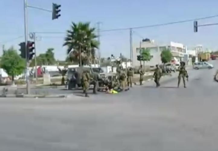 Palestino es abatido tras apuñalar a soldado israelí