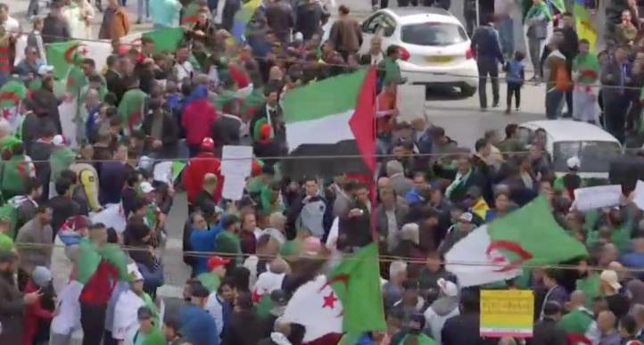Siguen las manifestaciones contra el liderazgo de Argelia