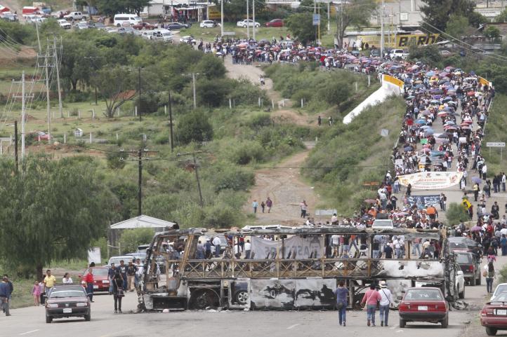 En Nochixtlán, marchan a una semana de la represión contra maestros