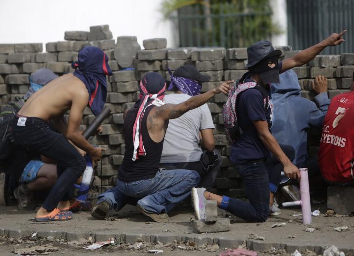 Atacan barricadas ciudadanas en Managua