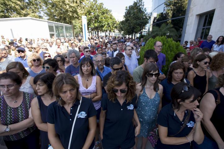 Miles acuden al homenaje de víctimas del atentado en Barcelona