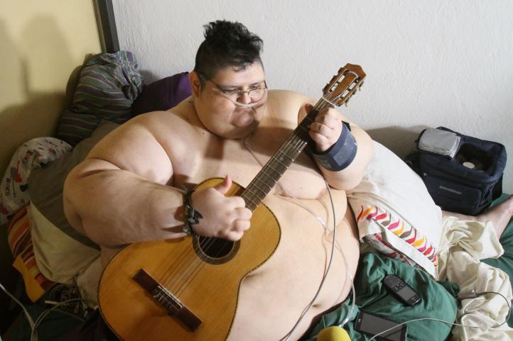 Joven mexicano, el más obeso del mundo; ingresa a protocolo médico para bajar de peso