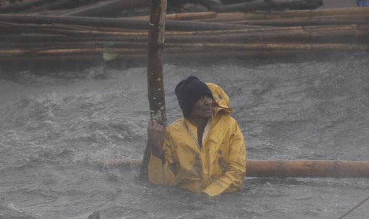 """Tifón """"Rammasun"""" causa 15 muertos en Filipinas"""