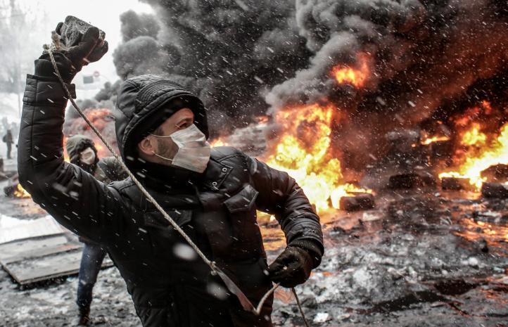 Presidente de Ucrania anuncia amnistía a manifestantes detenidos