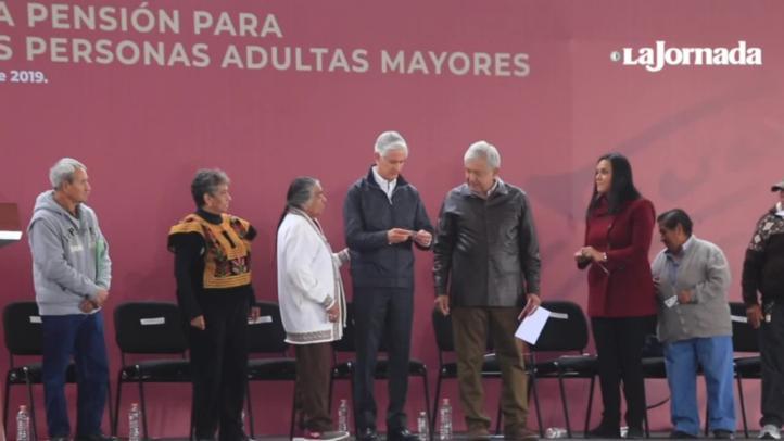 Presenta AMLO en Chalco plan para adultos mayores