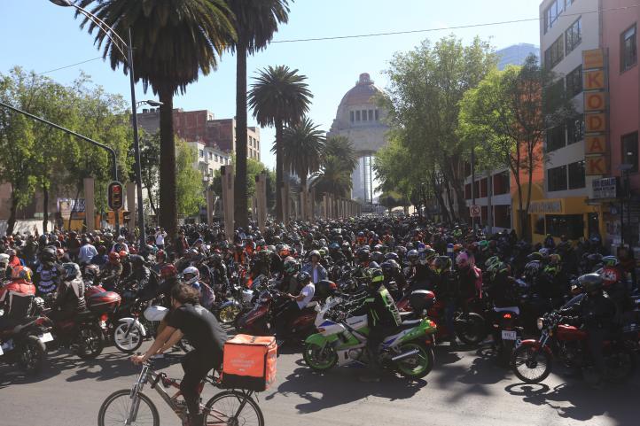 Motovloggers ruedan por la ciudad