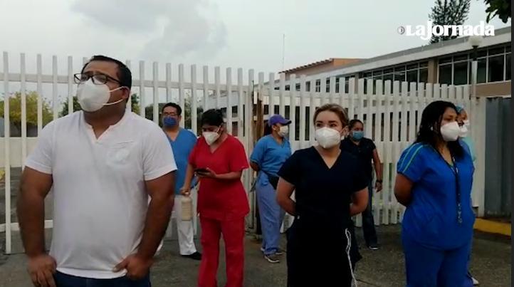 Para personal de salud del hospital de Pemex en Minatitlán; exige insumos