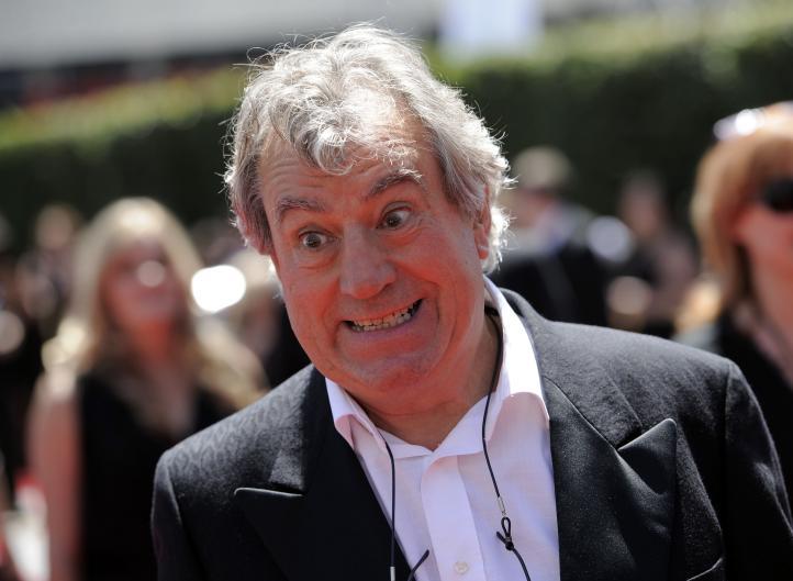 Terry Jones, miembro de los Monty Python, muere a los 77