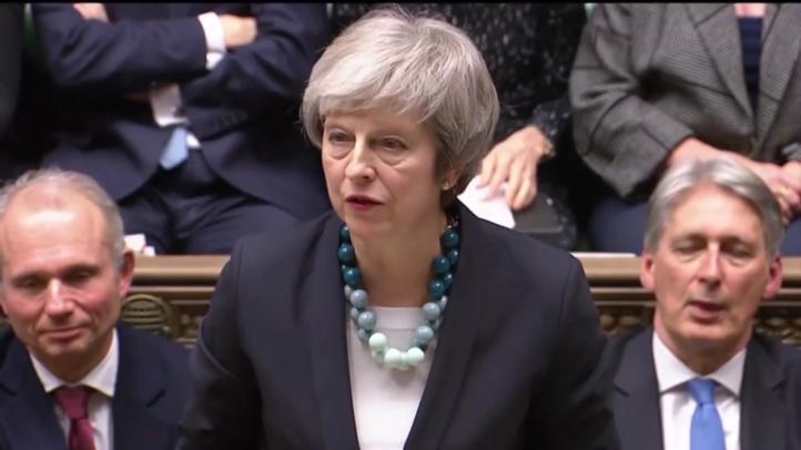 Theresa May busca salvar acuerdo de 'Brexit'