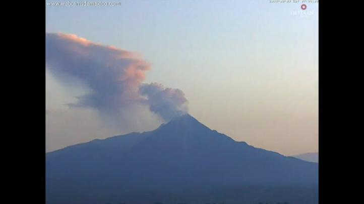 Aumenta la actividad del volcán de Colima