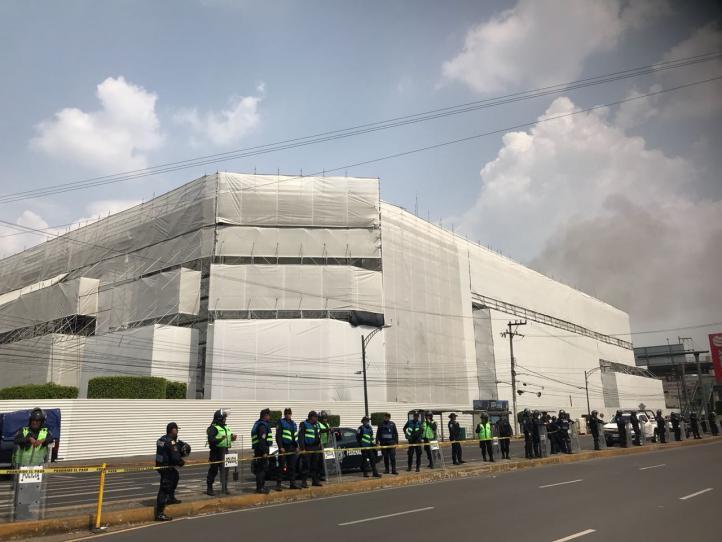 Reportan incendio en Galerías Coapa
