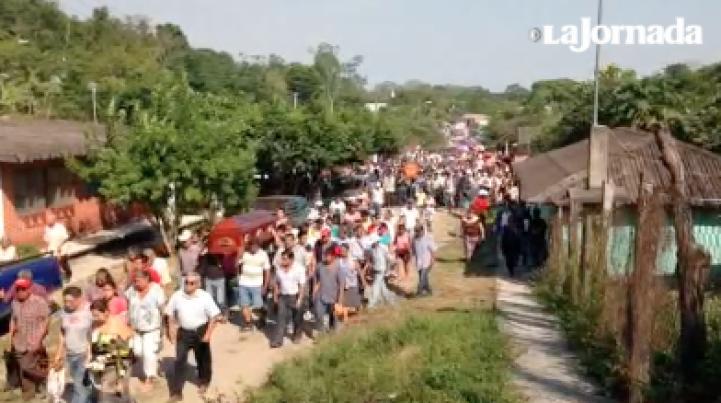 Policías balean a familia en Veracruz