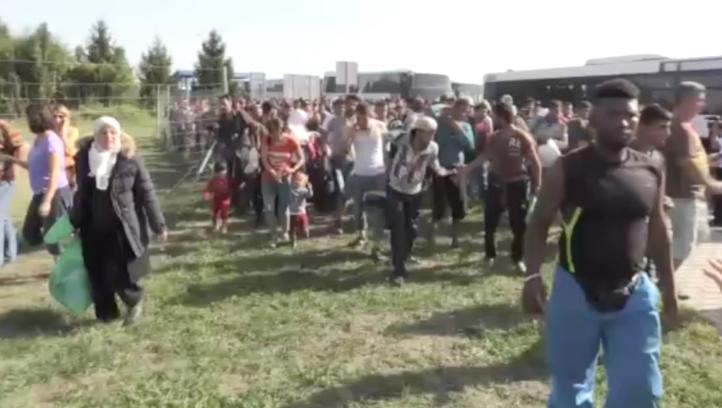 """Croacia se declara """"abrumada"""" por la llegada de migrantes"""