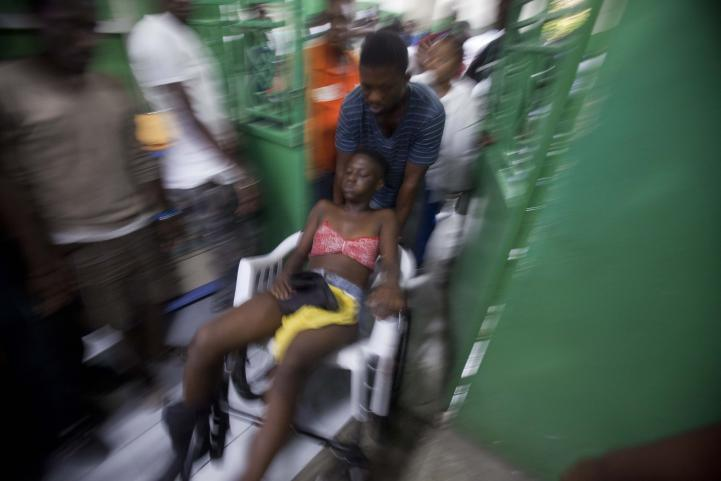 Al menos 20 muertos tras descarga eléctrica en carnaval en Haití