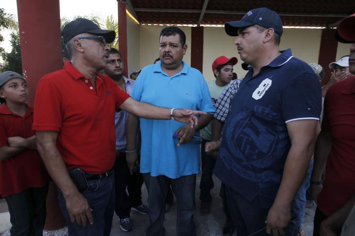 Fracasa, entre mentadas y amenazas, la asamblea de La Ruana