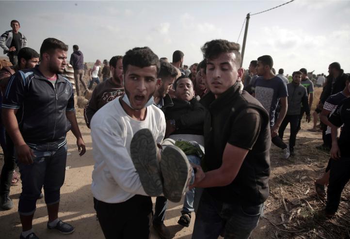 Israel enfrenta desafío legal por uso de fuego real en Gaza