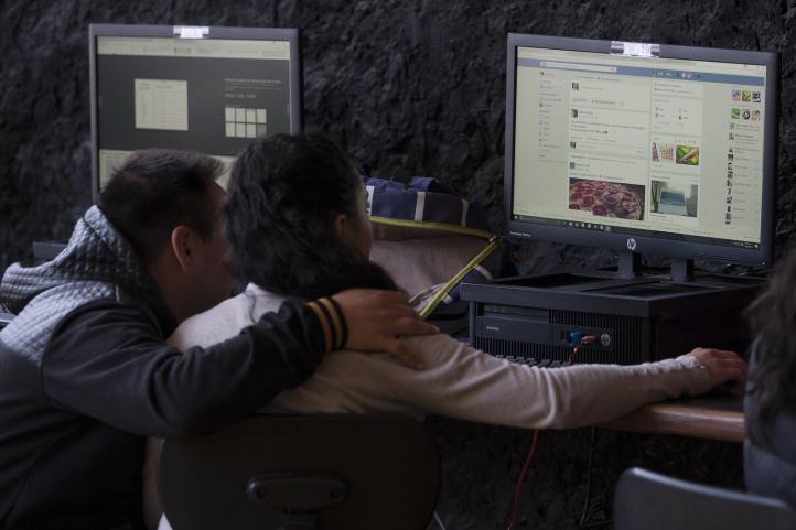 Abate Tlalpan con ciber escuelas rezago educativo