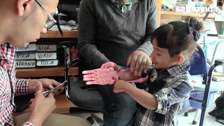 Una impresión en 3D cambia la vida de una niña