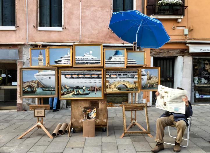 El arte de Banksy se infiltra en la Bienal de Venecia